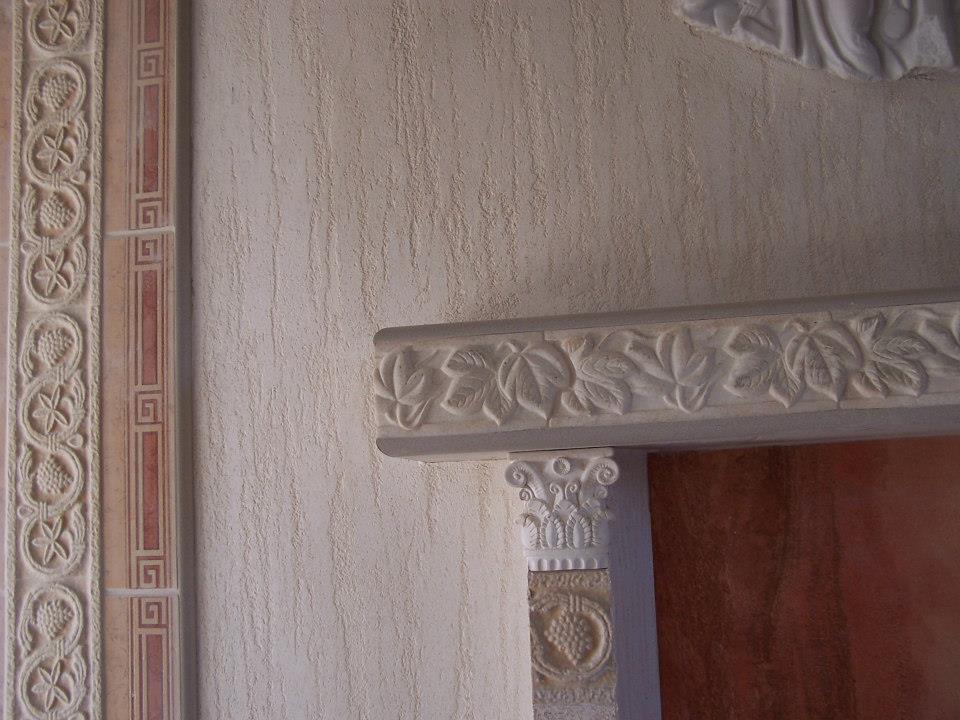 Modne wnętrza z tynkiem Trawertyn - styl włoski, glamour i rustykalny
